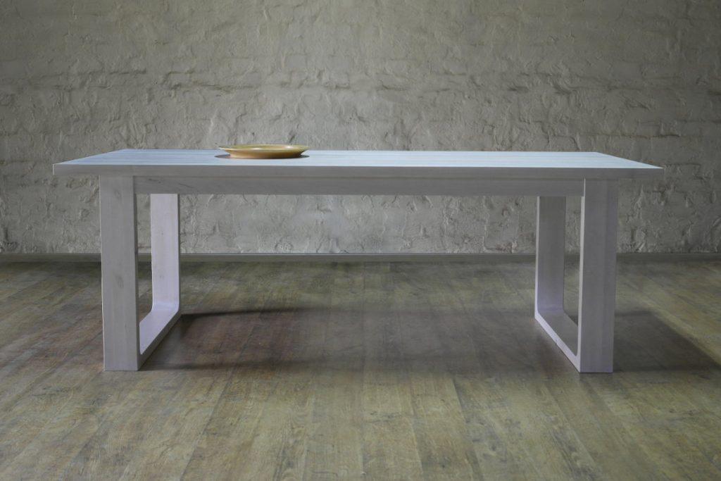 ruokapöytä-puinen-moderni-vahattu